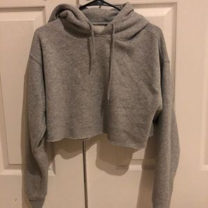Urban Outfitter cropped hoodie (xs)